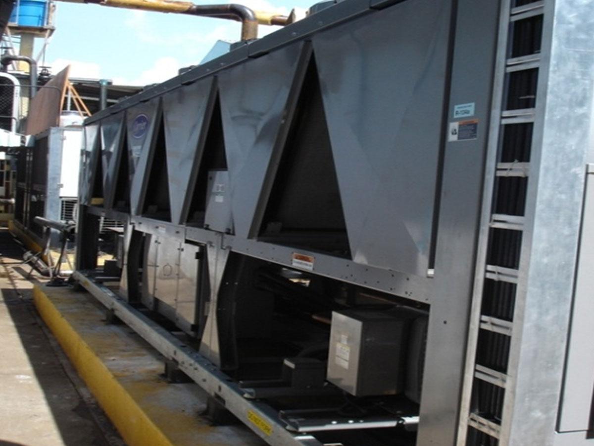 Proyecto e instalación de CHILLERS 200T.R. Tupperware
